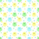 Χαριτωμένες μπλε, πράσινες και κίτρινες κουκουβάγιες με τα αστέρια και σημεία στην πλάτη Στοκ φωτογραφία με δικαίωμα ελεύθερης χρήσης