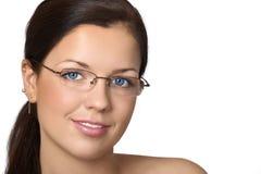 χαριτωμένες νεολαίες γυναικών γυαλιών Στοκ Εικόνες