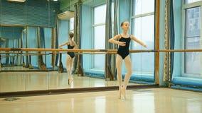 χαριτωμένες νεολαίες ballerina φιλμ μικρού μήκους
