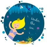Χαριτωμένη γοργόνα κάτω από τη θάλασσα Στοκ εικόνες με δικαίωμα ελεύθερης χρήσης