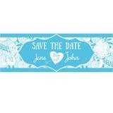 Χαριτωμένη κάρτα γαμήλιας πρόσκλησης με τα floral doodles Στοκ Εικόνες