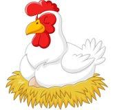 Χαριτωμένη κότα που επωάζει το αυγό της Στοκ Εικόνα