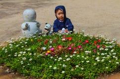Χαριτωμένος κήπος παιδιών και λουλουδιών στο νησί nami Στοκ εικόνα με δικαίωμα ελεύθερης χρήσης