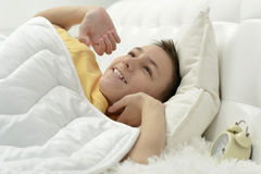 Χαριτωμένος ξυπνώντας το αγόρι Στοκ εικόνες με δικαίωμα ελεύθερης χρήσης