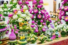Χαριτωμένος τεχνητός ρόδινος λουλούδια λωτού ή κρίνος νερού Στοκ Φωτογραφίες