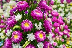 Χαριτωμένος τεχνητός ρόδινος λουλούδια λωτού ή κρίνος νερού Στοκ Φωτογραφία