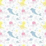 Χαριτωμένο άνευ ραφής σχέδιο με τα ζώα θάλασσας Χταπόδι, δελφίνι, μέδουσα, κοχύλι, ψάρια, αστερίας Υποθαλάσσιος κόσμος απεικόνιση αποθεμάτων