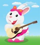 Χαριτωμένο άσπρο λαγουδάκι κινούμενων σχεδίων που παίζει την ακουστική κιθάρα απεικόνιση αποθεμάτων