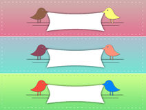 Χαριτωμένο έμβλημα πουλιών στοκ φωτογραφία με δικαίωμα ελεύθερης χρήσης