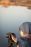 Χαριτωμένο βίντεο πυροβολισμού κοριτσιών στοκ εικόνες