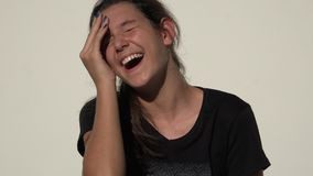 Χαριτωμένο γέλιο κοριτσιών εφήβων φιλμ μικρού μήκους