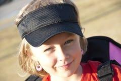 χαριτωμένο γείσο κοριτσ&io Στοκ εικόνες με δικαίωμα ελεύθερης χρήσης