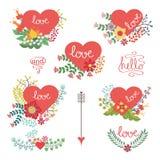 Χαριτωμένο εκλεκτής ποιότητας floral σύνολο με τις καρδιές Στοκ φωτογραφία με δικαίωμα ελεύθερης χρήσης