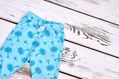 Χαριτωμένο θερινό παντελόνι κοριτσιών μικρών παιδιών Στοκ Εικόνες