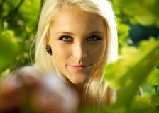 χαριτωμένο θηλυκό δάσος Στοκ Εικόνες