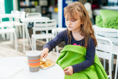 χαριτωμένο κορίτσι λίγο υ Στοκ εικόνα με δικαίωμα ελεύθερης χρήσης