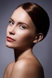 Χαριτωμένο κορίτσι με το όμορφο πρόσωπο Στοκ εικόνες με δικαίωμα ελεύθερης χρήσης