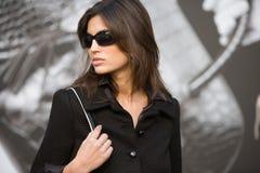 Χαριτωμένο κορίτσι στα γυαλιά ηλίου ll Στοκ φωτογραφία με δικαίωμα ελεύθερης χρήσης
