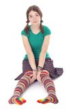 Χαριτωμένο κορίτσι στις γυναικείες κάλτσες stip Στοκ εικόνα με δικαίωμα ελεύθερης χρήσης