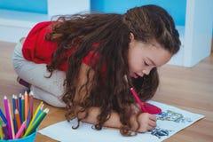 χαριτωμένο κορίτσι σχεδί&omega Στοκ Φωτογραφίες