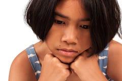 Χαριτωμένο κορίτσι λυπημένο και κραυγή Στοκ εικόνες με δικαίωμα ελεύθερης χρήσης