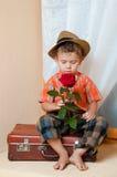 χαριτωμένο λουλούδι αγοριών λίγα Στοκ Φωτογραφία
