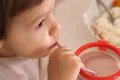 Χαριτωμένο μικρό κορίτσι Στοκ φωτογραφίες με δικαίωμα ελεύθερης χρήσης