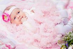 Χαριτωμένο νεογέννητο κορίτσι Στοκ Φωτογραφία