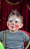 Χαριτωμένο παιδί με Mime Makeup για το σκηνικό παιχνίδι Στοκ Φωτογραφία