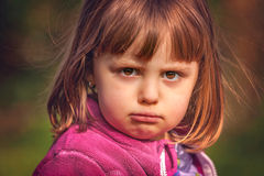 Χαριτωμένο πορτρέτο κοριτσιών στοκ εικόνα με δικαίωμα ελεύθερης χρήσης