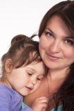 χαριτωμένο πορτρέτο κορών mom Στοκ εικόνες με δικαίωμα ελεύθερης χρήσης
