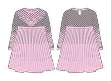 Χαριτωμένο ρόδινο φόρεμα με τη ραφή στη μέση και τη μμένη φούστα Στοκ Φωτογραφία
