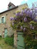 Χαριτωμένο σπίτι πετρών στοκ φωτογραφία με δικαίωμα ελεύθερης χρήσης