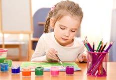 Χαριτωμένο σχέδιο μικρών κοριτσιών με το χρώμα Στοκ φωτογραφίες με δικαίωμα ελεύθερης χρήσης