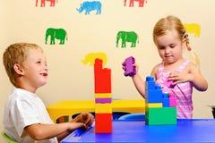 χαριτωμένο σχολείο παιδ&io Στοκ εικόνες με δικαίωμα ελεύθερης χρήσης