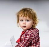 χαριτωμένο φόρεμα μωρών λίγα κόκκινα στοκ εικόνες