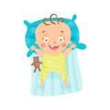 Χαριτωμένο χαμογελώντας μωρό κινούμενων σχεδίων που βρίσκεται διανυσματική απεικόνιση χαρακτήρα κρεβατιών του στη ζωηρόχρωμη Στοκ Εικόνες
