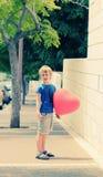 Χαριτωμένο χρονών αγόρι 6 στοκ εικόνα με δικαίωμα ελεύθερης χρήσης