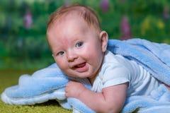 Χαρούμενα γέλια παιδιών στοκ εικόνα