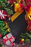 Χαρούμενα Χριστούγεννα και δώρο καλής χρονιάς Στοκ Εικόνα