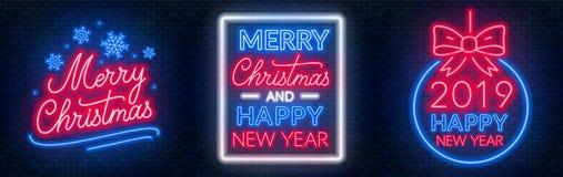 Χαρούμενα Χριστούγεννα και εγγραφή νέου καλής χρονιάς στο σκοτεινό υπόβαθρο απεικόνιση αποθεμάτων