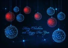 Χαρούμενα Χριστούγεννα και κάρτα καλής χρονιάς με τις χαμηλές πολυ κόκκινες και μπλε διακοσμητικές σφαίρες πυράκτωσης ελεύθερη απεικόνιση δικαιώματος