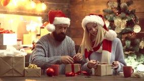 Χαρούμενα Χριστούγεννα και καλή χρονιά Οικογενειακοί εορτασμοί απόθεμα βίντεο