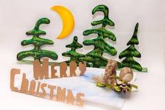 Χαρούμενα Χριστούγεννα και κούκλα Στοκ φωτογραφία με δικαίωμα ελεύθερης χρήσης