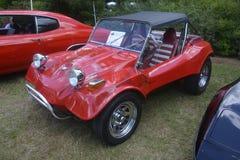 Χαρούμενο το 1972 - αρχαίο κόκκινο αυτοκίνητο Στοκ Φωτογραφίες