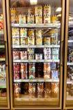 Χαρτοκιβώτια παγωτού Dreyer στον ψυκτήρα σε ένα κατάστημα Στοκ Εικόνες