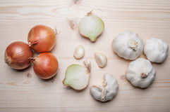χαρτόνι που κόβει τα φρέσκα λαχανικά Στοκ φωτογραφίες με δικαίωμα ελεύθερης χρήσης