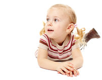 Χαλάρωση μικρών κοριτσιών Στοκ φωτογραφία με δικαίωμα ελεύθερης χρήσης