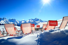 Χαλάρωση στο χειμερινό ήλιο Στοκ Εικόνες