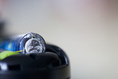 Χαλάστε την μπαταρία στη συσκευή Στοκ εικόνες με δικαίωμα ελεύθερης χρήσης